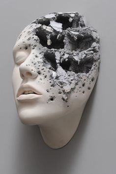 Surreal Sculptures of Contorted Clay Faces Reinterpret Reality : Man, this is great. Lucid Dream II Clay Face Sculptures Surreal Face Johnson Tsang Artist Johnson Tsang taps into his subconscious to create surreal sculptures of contorted faces. Sculptures Céramiques, Sculpture Clay, Ceramic Sculptures, Sculpture Portrait, Surrealism Sculpture, Ceramic Sculpture Figurative, Sculpture Ideas, Johnson Tsang, Arte Fashion