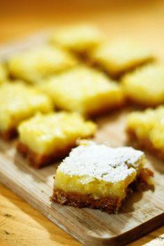 Prajiturelele astea sunt super-simplu de facut si un gust dulce-acrisor echilibrat si racoritor.