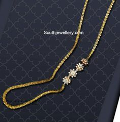 Thali Chain with Floral Motifs photo Gold Necklace Simple, Gold Jewelry Simple, Gold Chain Design, Gold Jewellery Design, Gold Mangalsutra Designs, Gold Chain With Pendant, Gold Wedding Jewelry, India, Bride
