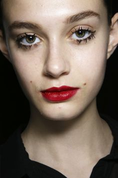 Runway Beauty: Clumpy Eyelashes Were All Over Milan