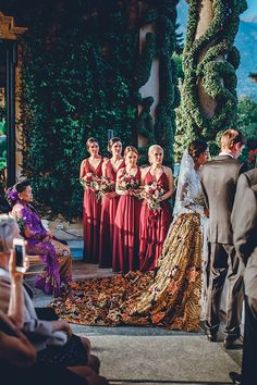 You are about to feast your eyes on an luxury intimate Indonesian wedding in Lake Como that is so astonishing every aspect will leave you breathless. Bridesmaids, Bridesmaid Dresses, Wedding Dresses, Ensenada Mexico, Fall Wedding, Dream Wedding, Indonesian Wedding, Ethnic Wedding, Strictly Weddings