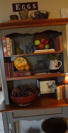 Hutch Decor Ideas - Diy Home Dekor Kitchen Hutch, Kitchen Furniture, Kitchen Decor, Kitchen Ideas, Pantry Ideas, Hutch Makeover, Furniture Makeover, Country Decor, Farmhouse Decor