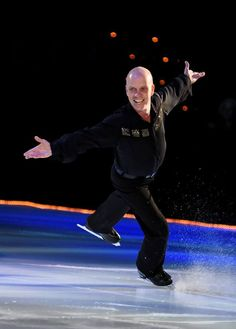 Scott Hamilton Skates Into Your Living Room for the First Time Since 2003
