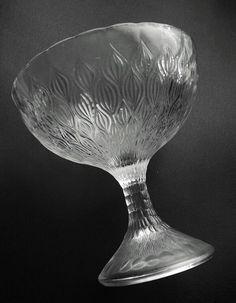 Vases Decor, Porcelain, Tableware, Porcelain Ceramics, Dinnerware, Tablewares, Dishes, Place Settings