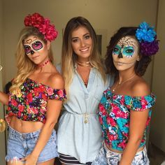 image Best Friend Halloween Costumes, Cute Costumes, Halloween 2017, Halloween Makeup, Halloween Ideas, Costume Ideas, Mexican Halloween, Mexican Party, Halloween Meninas