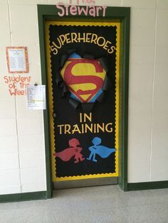 Teacher with the right attitude -- Superhero theme on the classroom door to built self-esteem of the students! Superhero Classroom Theme, Classroom Themes, School Classroom, Superhero Door, Superhero Bulletin Boards, Superhero Bathroom, Superhero Party, School Decorations, School Themes