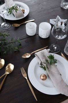 Black, white, and gold are a classic colour combination, but can look brash if not treated with caution. Stick to sleek shapes and pared-back detailing for a look that exudes festive finesse. Click through to shop our design-led range of Trouva tableware.
