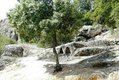 Pietre scavate :  loc.S.Stefano - Oschiri -Sardegna/Sardinia/Cerdeña. Ancient stone of Sardinia. Piedras antiguas de Cerdeña.