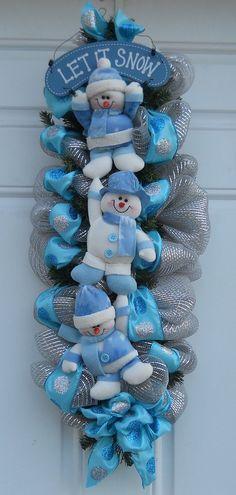 Nails blue christmas nailart ideas for 2019 Christmas Swags, Holiday Wreaths, Christmas Snowman, Winter Christmas, Holiday Fun, Christmas Holidays, Christmas Ornaments, Mesh Wreaths, Winter Wreaths