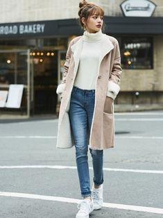 Girls Fashion Clothes, Girl Fashion, Fashion Looks, Fashion Outfits, Womens Fashion, Korean Winter Outfits, Korean Outfits, October Fashion, Sheepskin Coat