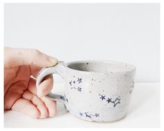 A stellar cup for the starstruck coffee lover. This reminds me of Addie. Stoneware Clay, Ceramic Cups, Ceramic Pottery, Tea Mugs, Coffee Mugs, The Potter's Wheel, Home And Deco, Girly, Kitchenware