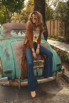 Fringe Bootie ╰☆╮Boho chic bohemian boho style hippy hippie chic bohème vibe gypsy fashion indie folk the . ╰☆╮╰☆╮Boho chic bohemian boho style hippy hippie chic bohème vibe gypsy fashion indie folk the . 70s Inspired Fashion, 70s Fashion, Look Fashion, Trendy Fashion, Vintage Fashion, Fashion Trends, Gypsy Fashion, Hippie Chic Fashion, Fashion Online