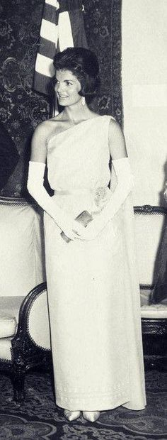 Jackie Oh, Jaqueline Kennedy, Ted Kennedy, Jacqueline Kennedy Onassis, John F Kennedy, First Lady Portraits, Lou Fashion, John Junior, John Fitzgerald
