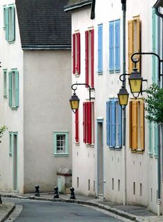 Colorful Chartres (Fr.)