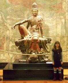 Kids & Art Museums: 5 Tips for Your Next Visit plus a fun book list about museum trips!