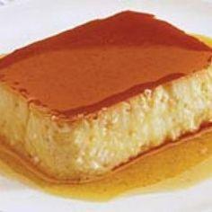 Receita de Pudim de Mandioca - 1 kg de mandioca crua, 1 lata de leite condensado, 1 litro de leite comum, 1 vidro de leite de coco (200ml), 3 ovos, 1/2 xíca... Pudding Recipes, Dessert Recipes, Desserts, Flan Cake, Good Food, Yummy Food, Mousse, Portuguese Recipes, Lunch Snacks
