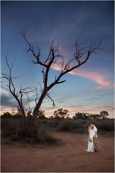 Gorgeous sunset wedding photos.. Aussie Expats destination wedding in the Riverland - As captured by Jade Norwood Photography at Wilkadene Woolshed Brewery - South Australia.