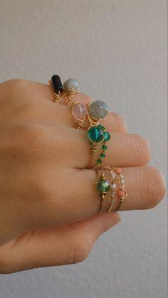 Diy Wire Jewelry Rings, Wire Jewelry Designs, Handmade Wire Jewelry, Handmade Rings, Resin Jewelry, Crystal Jewelry, Body Jewelry, Jewelry Crafts, Beaded Jewelry