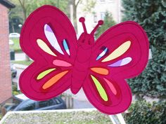Vlinder Holiday Crafts, Ramen, Minnie Mouse, Butterfly, Symbols, Diy Crafts, Disney Characters, School, Spring