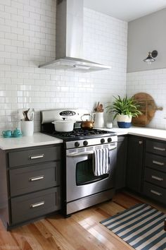 Kitchen Before & After: A Cookie Cutter Kitchen Gets Some Personality — Kitchen Remodel | The Kitchn