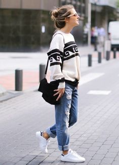 40 Off to Work Oversized Sweater Outfits