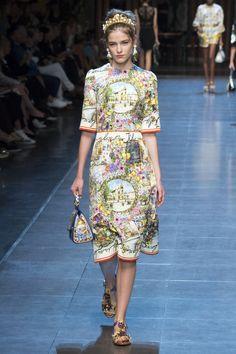 Dolce & Gabbana - Milan Fashion Week / Spring 2016 Model: Inga Dezhina