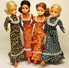 Sindy was so much nicer than other dolls. More taste but more a normal girl than Barbie. 1970s Childhood, Childhood Toys, Childhood Memories, Vintage Barbie, Vintage Dolls, Vintage Paper, Barbie Wardrobe, Sindy Doll, Barbie Friends