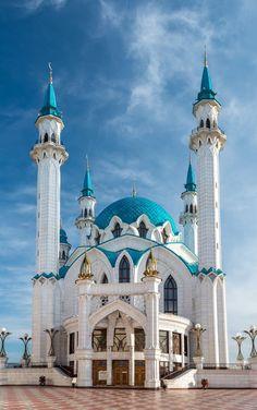 Kul Sharif Mosque, Kazan, Russia Kul Sharif Mosque, Kazan, Russia Source by haleakal. Mosque Architecture, Religious Architecture, Amazing Architecture, Art And Architecture, Unique Buildings, Beautiful Buildings, Beautiful Mosques, Beautiful Places, Mecca Masjid