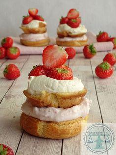 Aardbeien soezen | Bakkriebels Valentine Desserts, Mini Tortillas, Tea Cakes, Cupcake Cakes, Cupcakes, Muffins, Birthday Snacks, Cake & Co, Recipes