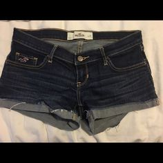 Hollister Jean shorts Excellent condition! Size 1; 25 waist Hollister Shorts Jean Shorts