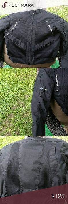 WOMANS HARLEY DAVIDSON JACKET BLACK WOMANS HARLEY RIDING JACKET. SIZE MED. GREAT FOR SPRING AND FALL RIDING Harley-Davidson Jackets & Coats
