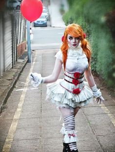 Female Pennywise Cosplay by Kristen Lanae