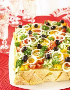 Texmex-voileipäkakku   Kodin juhlat   Pirkka Sandwiches, Sandwich Cake, Sandwich Recipes, Mexican Potluck, Savoury Cake, Tex Mex, Fajitas, Vegetable Pizza, Healthy Recipes