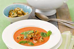 """Tomatencremesuppe mit Panchetta Rezept. Alpro (Hrsg.): """"Plant Power"""" - lecker essen auf pflanzlicher Basis"""
