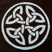 Celtic Circle Knot Applique Pattern  - via @Craftsy