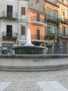 Praça Garibaldi, em Casalbordino, Abruzzo, Chieti, Itália.  La Casa e Il Giardino: minha terra natal - Posto di Nascita.