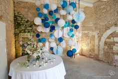 A Camaieu of blue with a touch of white for your hanging decoration – # … - Wedding Decorations Blue Wedding, Diy Wedding, Wedding Day, Lanterns Decor, Paper Lanterns, Honeycomb Decorations, Event Decor, Photo Booth, Backdrops