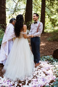 How to Have an Adventurous Destination Elopement Medium Hair Styles, Curly Hair Styles, Natural Hair Styles, Long Natural Curls, Elope Wedding, Wedding Dresses, Elopement Wedding, Hair Wedding, Curly Bridal Hair