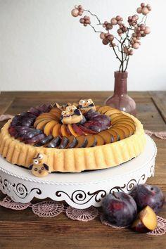 Pflaumen-Marzipan-Kuchen mit Marzipaneulen