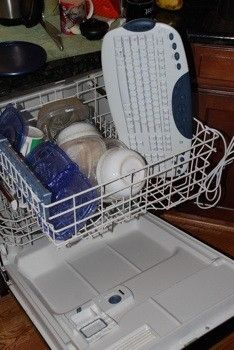 25 Unusual Things You Can Put in The Dishwasher...interesting! Just because this says you can, doesn't mean you should.