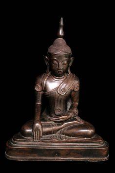 Ava bronze Buddha. Burma. 18th cent.