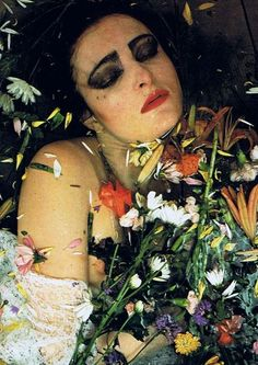 Siouxsie, the Batcave and the legacy of goth - diy clothes Recycling Ideen Siouxsie Sioux, Siouxsie & The Banshees, 80s Goth, Punk Goth, Gothic, Diy Kleidung, 80s And 90s Fashion, Diy Clothes Videos, Look Man
