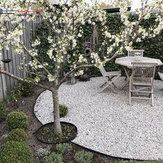 Uteplats Matplats – Garden is craft Garden Types, Small Gardens, Outdoor Gardens, Landscape Design, Garden Design, Garden News, Outdoor Landscaping, Dream Garden, Garden Planning