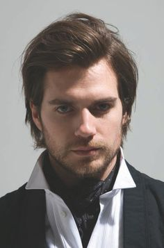 Henry Cavill...looks great with unkept hair.