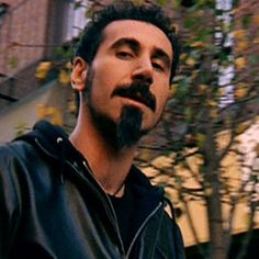 Serj Tankian- This man is GENIOUS!!!! And I have a huge crush on him..... but anyways ....genious!!!!