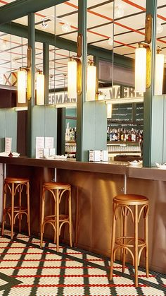 """¡A LA CARTA! Nos encanta  plasmar en mosaico ideas llenas de creatividad como la que nos planteó @cristinacarullastudio para el interiorismo de @hermanosvinagre.  .  Para el suelo y las columnas de este bar """"castizo"""" creó un diseño personalizado que plasmó en mosaico con el servicio #ArtFactoryHisbalit. Rojo, blanco y negro ¡Una combinación infalible! Mosaic Floors, Bar, Restaurants, Hotels, Flooring, Table, Furniture, Ideas, Home Decor"""