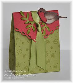 Free pdf download for my Little Bird Gift Bag Tutorial