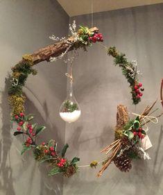 Couronne Noël Réinventé!  Le Marché aux Fleurs, Saint-Bruno. Fleuriste. Événement. Art.  Livraison. 450-461-1845