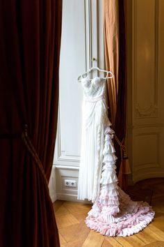 #Christina_Eduard_Photography #Inspiration #Herbsthochzeit #Ohrringe #Hochzeit #Braut #Brautschmuck #Details #Villa_Rothschild