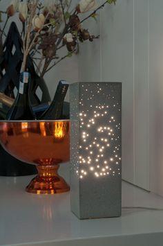 Items similar to Beton Sternbild Dreieck: massive konkrete Lampe mit Hunderten von LWL-Fasern on Etsy